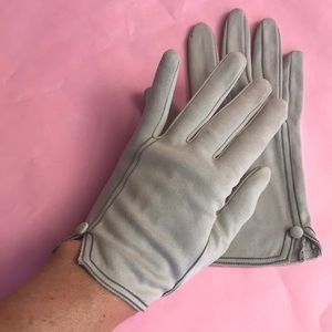 Vintage Accessories - Vintage light gray silk gloves